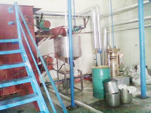 Animal oil negative pressure refining